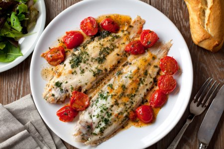 Sole with cherry tomatoes