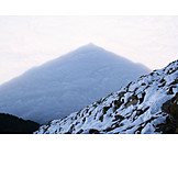 Fog, Pyramid shape, Bernese oberland, Drizzle