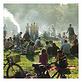 Human group, Summer, Urban life
