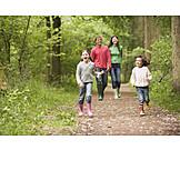 Leisure & entertainment, Walk, Family, Family outing