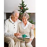 Christmas eve, Couple, Christmas present
