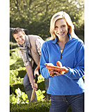 Couple, Gardening, Gardening, Carrot harvest