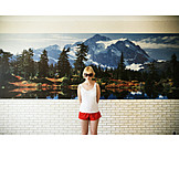 Tourism, Wall murals, Home