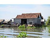 Cambodia, Tonle sap, Floating village