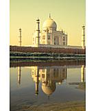 Mausoleum, Taj mahal
