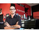 Tattoo artist, Tattoo parlour