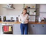 Woman, Kitchen, Sms