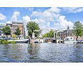 Gracht, Amsterdam, Drawbridge