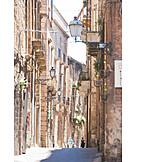 Alley, Tarent