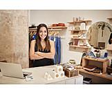 Shop, Sales executive