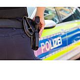 Weapon, Policewoman