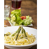Green asparagus, Tagliatelle, Lunch