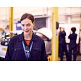 Woman, Apprentice, Trainee, Mechatronics engineer