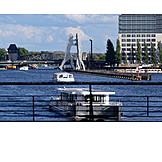 Berlin, Spree river, Molecule man