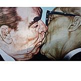 Gdr, International, Brotherly kiss