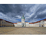 Castle charlottenburg, Court of honor